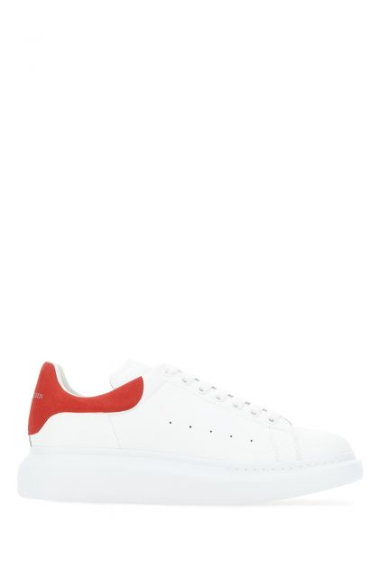 White leather sneakers with contrasting leather heel
