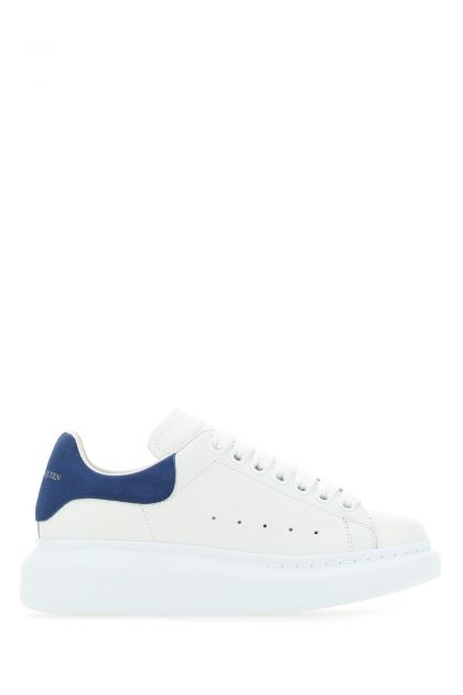 White leather sneakers with blue suede heel