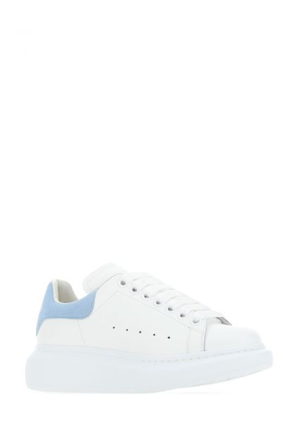 White leather sneakers with powder blue suede heel