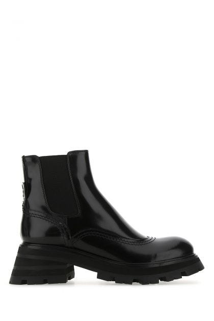 Black leather Wander Chelsea ankle boots