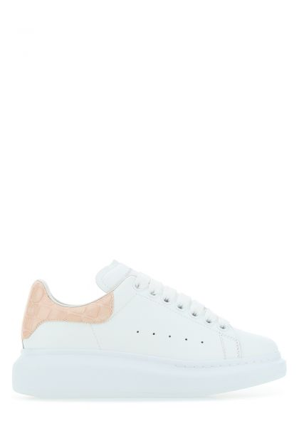 White leaher sneakers with pastel pink leather heel