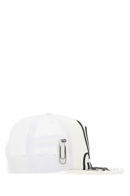Two-tone stretch polyester and mesh baseball cap