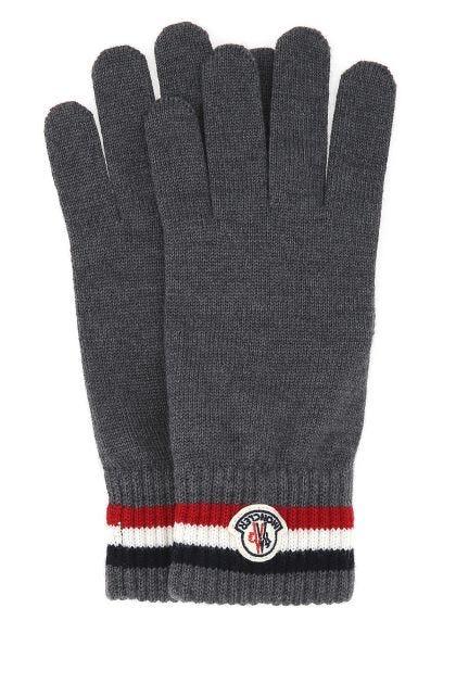 Gray wool gloves