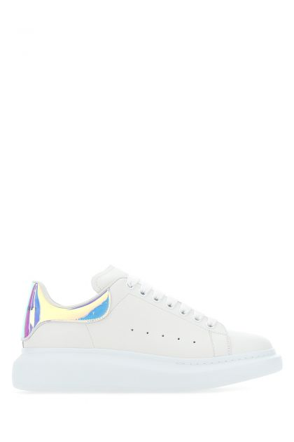 White leather sneakers with oleographic PVC heel